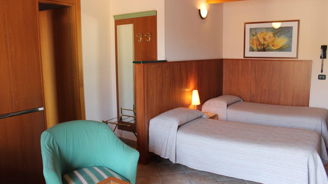 hotel malpensa shuttle, bb stresa malpensa, hotel lago maggiore